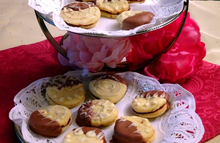 gm-biscotti-cioccolato-pasta-mandorle-piatto-gallery-10