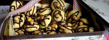 Biscotti morbidi alle nocciole e cioccolato