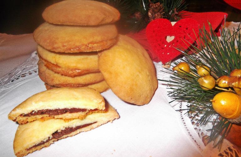 gm-biscottini-cioccolato-nocciole-piatto-gallery-9