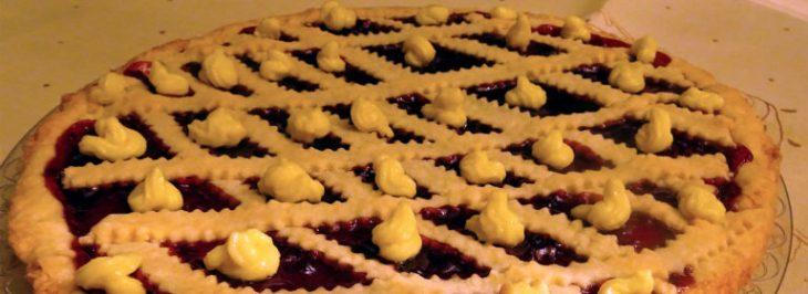 Crostata alla confettura di prugne e crema pasticcera