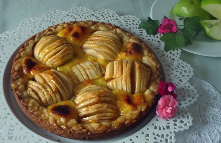 gm-crostata-frangipane-mele-piatto gallery-8