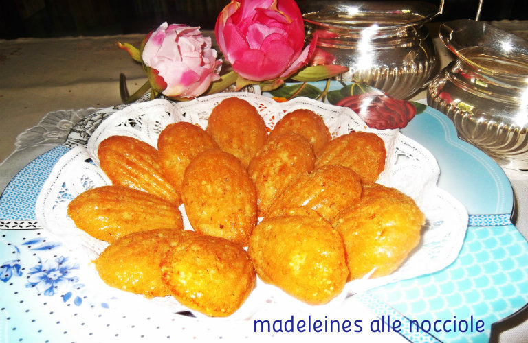 gm-madeleines-nocciole-piatto-gallery-6
