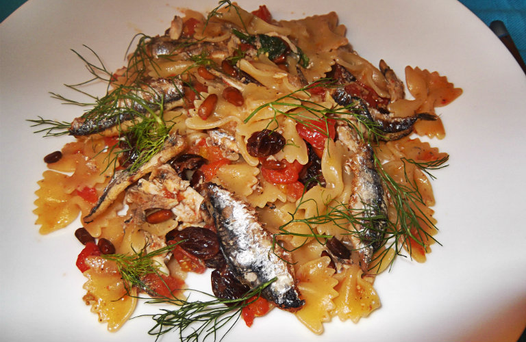 gm-pasta-alici-pinoli-piatto-gallery-9a