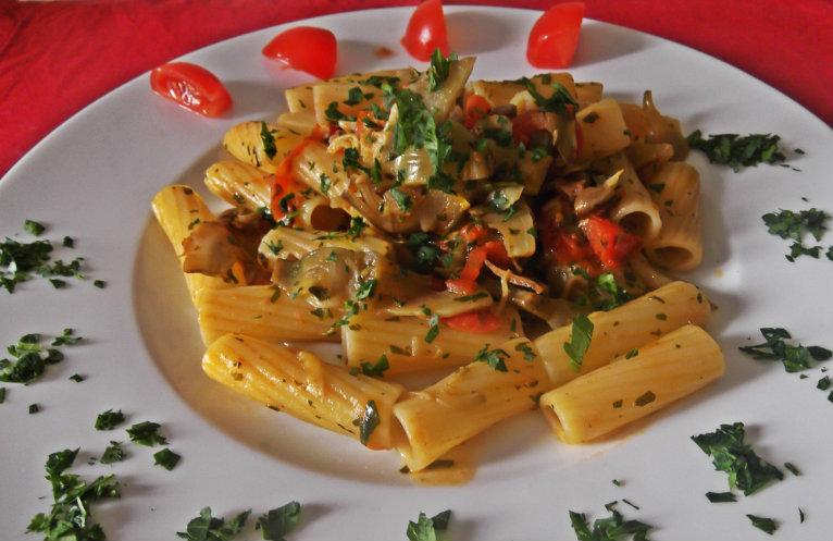 gm-pasta-carciofi-pomodorini-piatto-gallery-7a