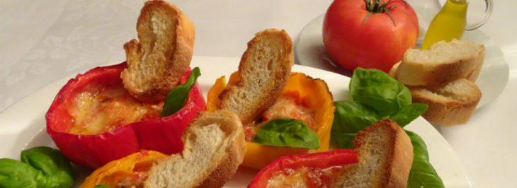 Peperoni ripieni ai formaggi al forno