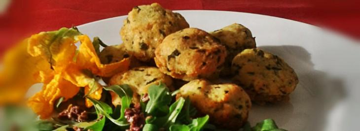 Polpettine di tacchino con insalata di rucola alle olive nere