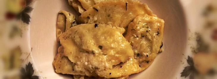 Ravioli di patate e lattuga al burro di tartufo