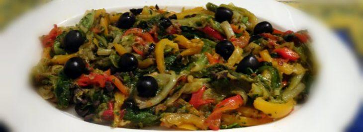 Stufato di peperoni e scarola con olive nere