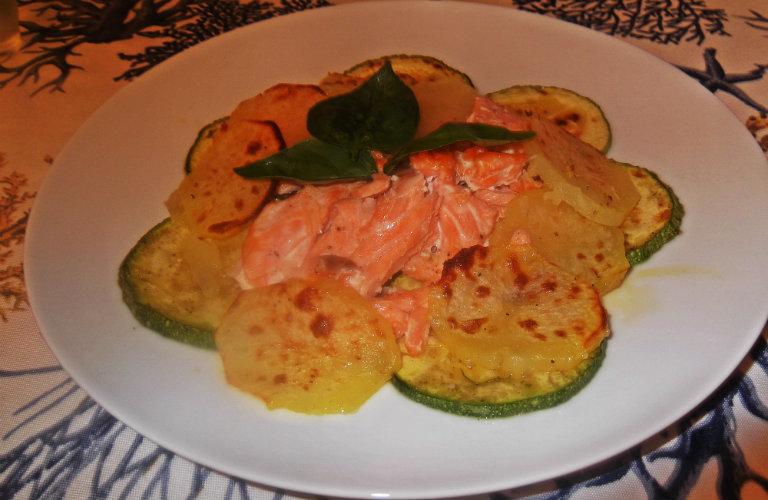 gm-tagliata-salmone-patate-zucchine-piatto-gallery-6