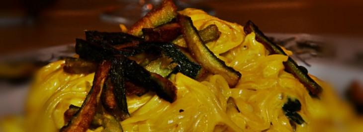 Tagliolini alla crema di zafferano con zucchine fritte