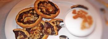 Crostatine al cioccolato e mandorle