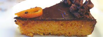 Torta di carote con mandorle e cioccolato