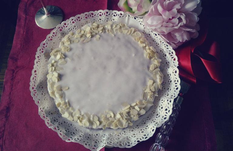 gm-torta-mandorle-rhum-piatto-gallery-1