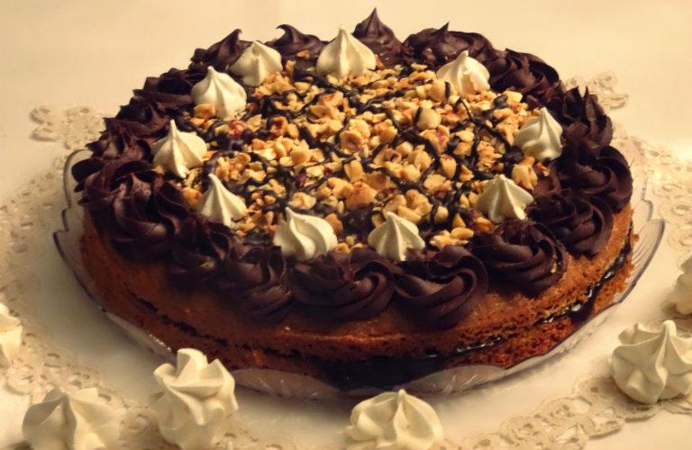 gm-torta-noci-nocciole-meringhe-ganache-piatto-gallery-13