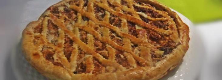 Torta salata con ricotta e radicchio