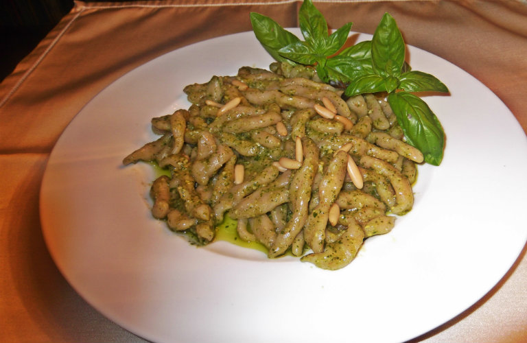 gm-trofie-pesto-genovese-piatto-12a