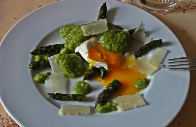gm-uova-agli-asparagi-piatto-gallery-6a