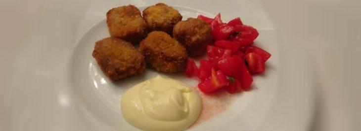 Bocconcini di cotoletta alla milanese con maionese e pomodorini