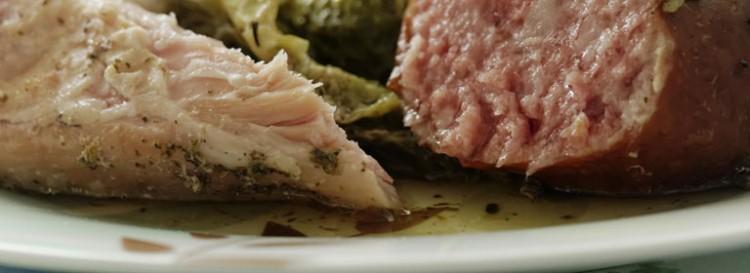 Bollito misto con salsa verde e salsa ai peperoni agrodolce