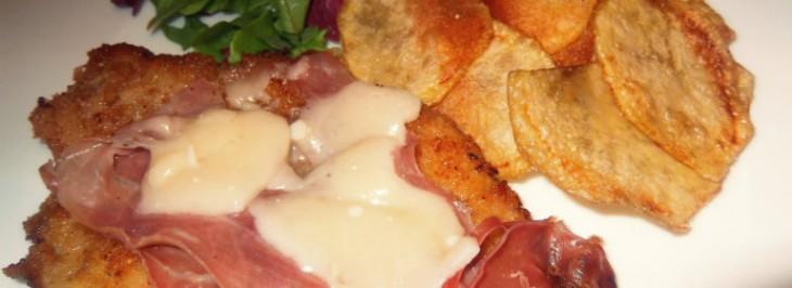 Impanata con prosciutto, formaggio e chips di patate