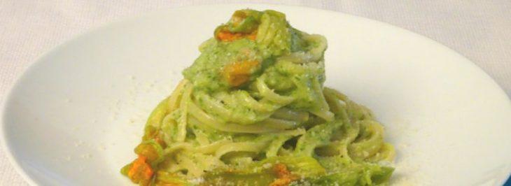 Linguine al pesto di zucchine con stracchino
