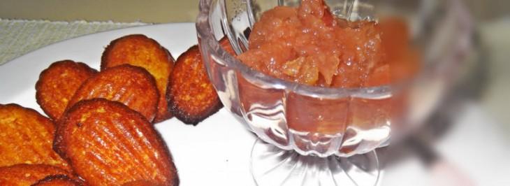 Madeleine al miele e scorzette d'arancia con confettura di pesche