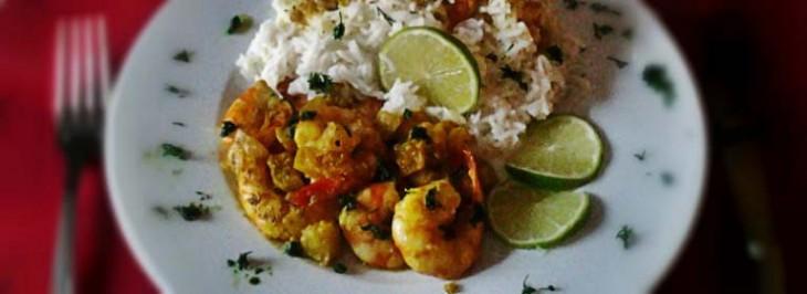 Insalata di riso basmati con mazzancolle al curry e ananas