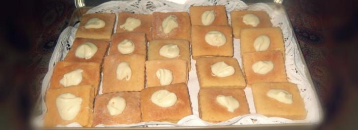 Petits-beurre con gocce di cioccolato bianco