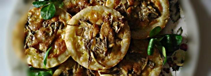 Crostatine di patate e carciofi con formaggio