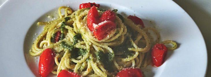 Spaghetti al pesto ligure con pomodorini