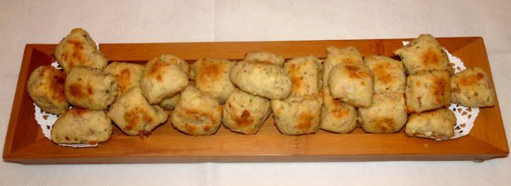 Trancetti di pane con pancetta e pecorino