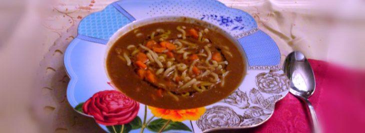 La vellutata di lenticchie con pasta e carote